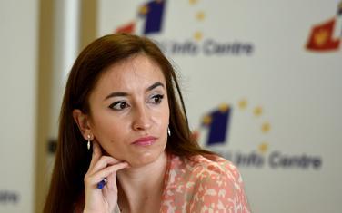 Neophodno da se političke elite odreknu moći: Bajramspahić