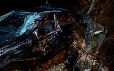Vozač izvučen nepovrijeđen iz smrskanog auta