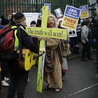 Sa protesta protiv izručenja Asanža u Londonu