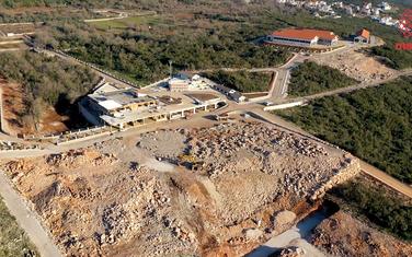 Objekti Carevića na uzurpiranom zemljištu u Krimovici