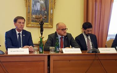 Darmanović (u sredini) u Pragu