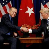 Detalj sa jednog od susreta Erdogana i Trampa