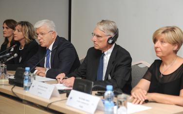 Omejec, Duško Marković i Lopičićeva tokom rasprave o izmjenama zakona o ustavnom sudu (arhiva)