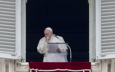 Vatikan odbacio tvrdnje da je papa ozbiljno bolestan