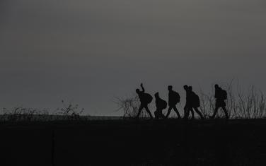 Migrnati pokušavaju da uđu iz Turske u Grčku