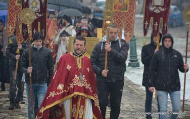 Perović na današnjoj litiji na Cetinju