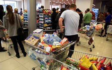Građani najviše kupuju brašno, ulje, šećer.