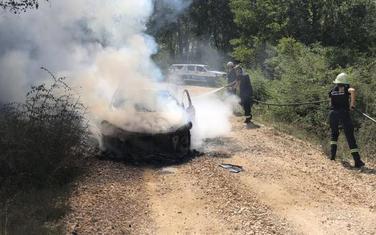 Zapaljeno vozilo u Ulcinju