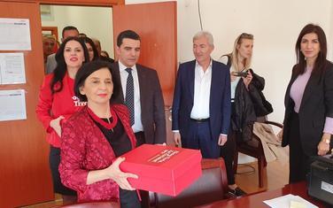 """""""Dnevno prate preporuke i mjere Vlade"""": Laličićeva predaje listu DPS-a"""
