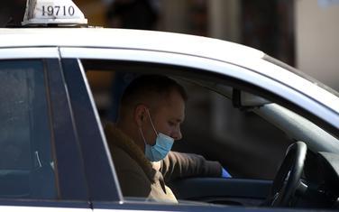 I taksisti koristili maske do zabrane rada