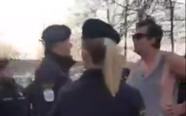 Vanja Đurišić u razgovoru sa službenicima Komunalne policije