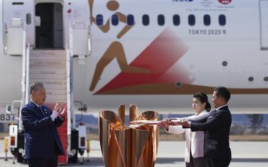 Može li olimpijski plamen da bude svjetlo na kraju mračnog tunela: sa dočeka baklje u Tokiju