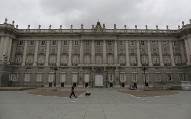 Madrid je najteže pogođen region: Detalj ispred kraljevske palate