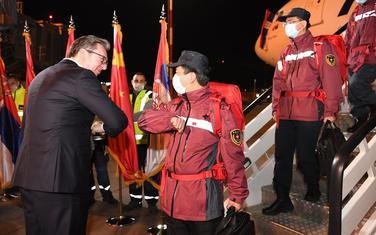 Vučić je dočekao kineske ljekare