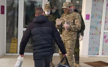 Zbog kršenja mjere samoizolacije, policija u Herceg Novom je bezbjednosno interesantno lice sprovela u karantin