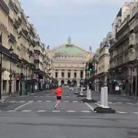 Rade samo prehrambene prodavnice, apoteke i pojedini kiosci: Pariz