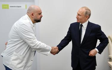 Putin prilikom posjete jednoj bolnici