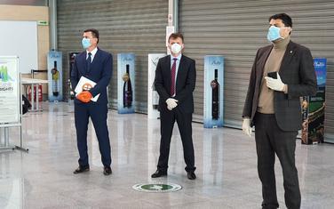 Pejanović na Aerodromu dočekuje Crnogorske građane