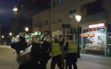 Policija tuče mladića u Pljevljima