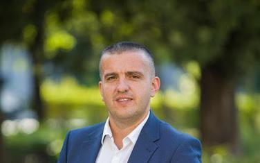 Adnan Striković