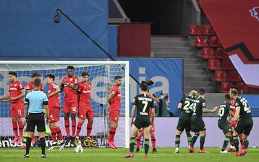 Arnold postiže gol za Volfsburg